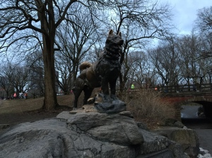 "Balto statue – The plaque reads ""Dedicated to the indomitable spirit of the sled dogs that relayed antitoxin six hundred miles over rough ice, across treacherous waters, through Arctic blizzards from Nenana to the relief of stricken Nome in the Winter of 1925. Endurance · Fidelity · Intelligence"""
