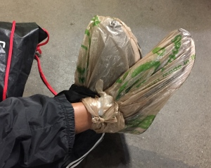 Runner hack - how to keep your feet dry before a race